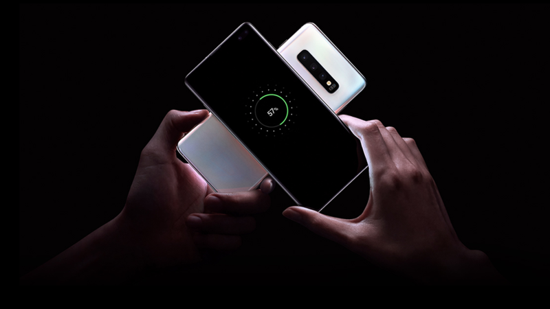 Two Galaxy S10 phones placed together