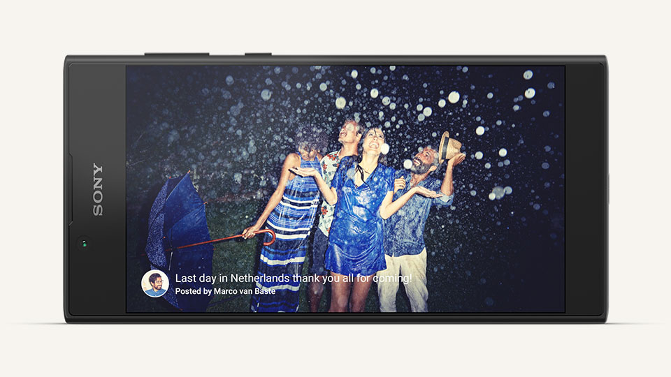 Viewing photos on the Sony Xperia L1