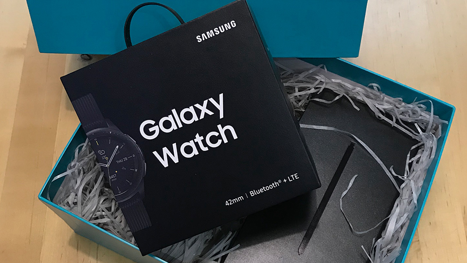 Box containing the Samsung Galaxy Watch